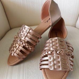 NWT Rosegold Hurache Sandals